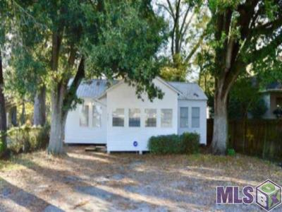 Gonzales Rental For Rent: 325 N Pleasant Ave