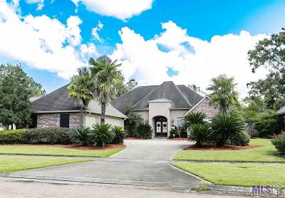 Prairieville Single Family Home For Sale: 13404 E Lakeshore Dr