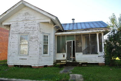 Franklin Single Family Home For Sale: 205 Commercial Street