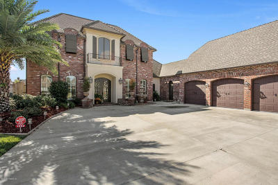 Broussard Single Family Home For Sale: 1002 Le Triomphe Parkway