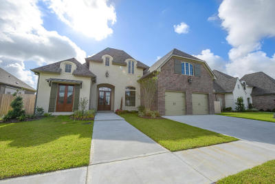 Sabal Palms Phase 2 Single Family Home Active/Contingent: 305 Sylvester Drive