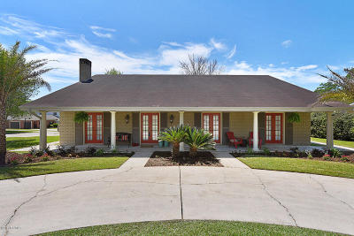 Lafayette Single Family Home For Sale: 101 Country Club Drive