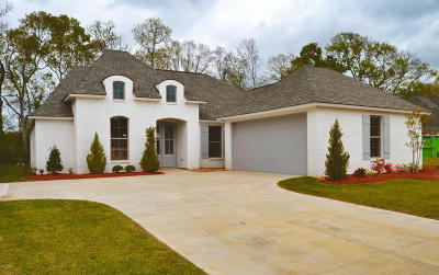 Woodlands Of Acadiana Single Family Home For Sale: 123 Olivewood Drive