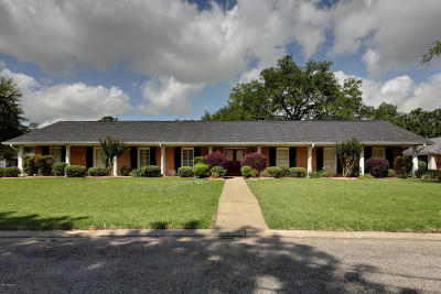 Lafayette Single Family Home Active/Contingent: 701 White Oak Drive