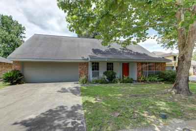 Lafayette  Single Family Home For Sale: 105 Aundria Drive