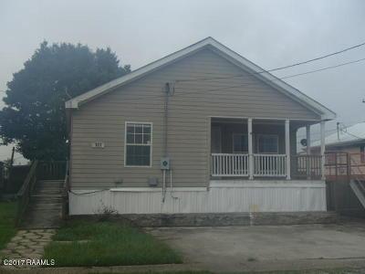 Erath Single Family Home For Sale: 111 Putnam Avenue