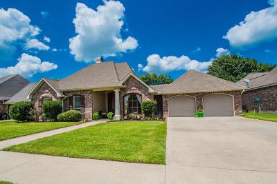 Lafayette Single Family Home For Sale: 204 Archangel Drive