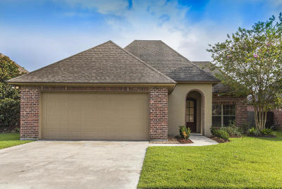 Lafayette Single Family Home For Sale: 132 Onyx