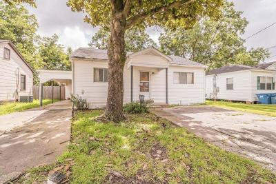 Lafayette Single Family Home For Sale: 311 Thelma Drive
