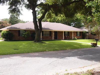 Lafayette Single Family Home For Sale: 101 Newcastle