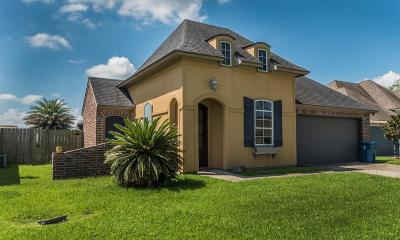 Scott Single Family Home For Sale: 207 Regal Oaks