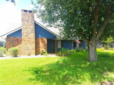 Lafayette Parish Single Family Home For Sale: 124 Avery Drive