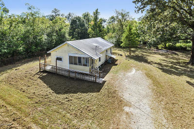 Arnaudville Single Family Home For Sale: 1066 Lynn Hardy Rd