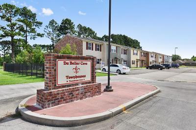 Lafayette Parish Single Family Home For Sale: 1 Townhouse Cove