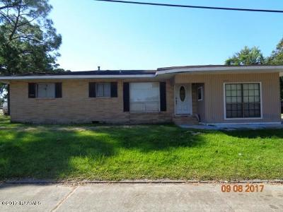 Single Family Home For Sale: 101 Texaco Street