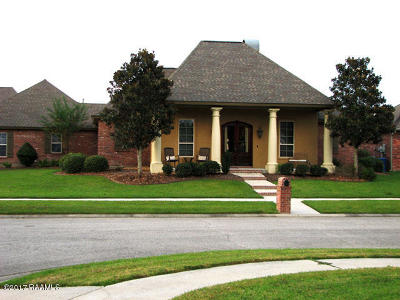 Lafayette Single Family Home For Sale: 100 Millcrest Drive
