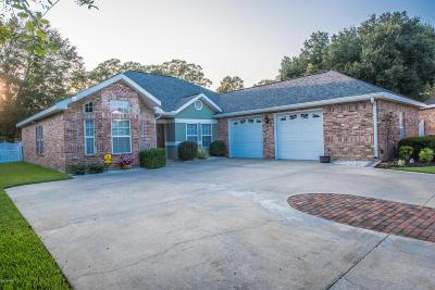 Lafayette Single Family Home For Sale: 100 Touraine Drive
