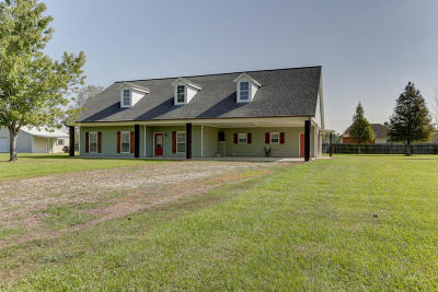 Lafayette  Single Family Home For Sale: 824 Lebesque Road