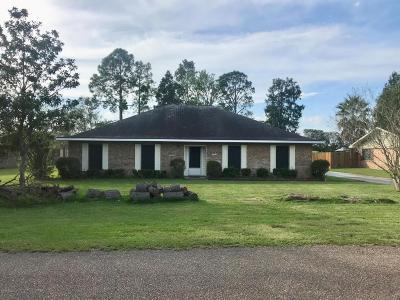 Iberia Parish Single Family Home For Sale: 402 Estate Drive