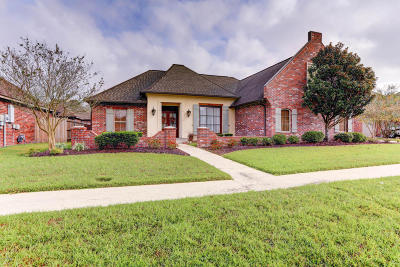 Lafayette Parish Single Family Home For Sale: 103 Dubonnet Street