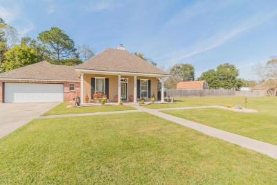 Lafayette Single Family Home For Sale: 105 River Birch Drive