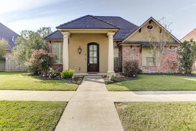 Lafayette Single Family Home For Sale: 103 Grand Pointe Boulevard