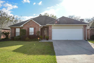 Lafayette Single Family Home For Sale: 203 Wildflower Lane