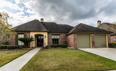 Lafayette Single Family Home For Sale: 223 Greenhaven Drive
