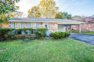 Lafayette Single Family Home For Sale: 210 Sandy Brook Lane
