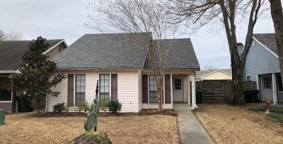 Lafayette Single Family Home For Sale: 110 Luna Street