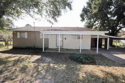 Eunice Single Family Home For Sale: 1401 W Peach