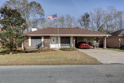 Lafayette  Single Family Home For Sale: 136 Longfellow Drive