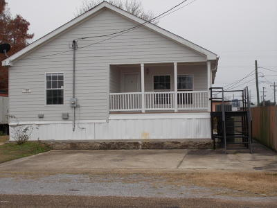 Erath Single Family Home For Sale: 111 W Putnam