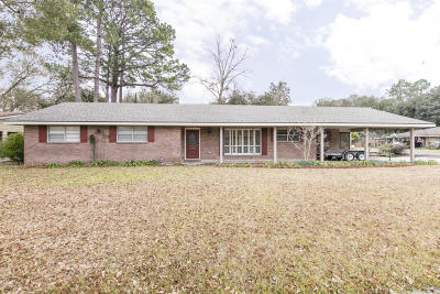 Lafayette Single Family Home For Sale: 100 Woodlawn Drive
