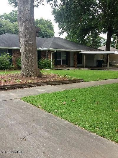 Lafayette Single Family Home For Sale: 134 Lucas Circle