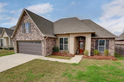 Meadows Bend Lakes Single Family Home For Sale: 110 Bluegrass Creek