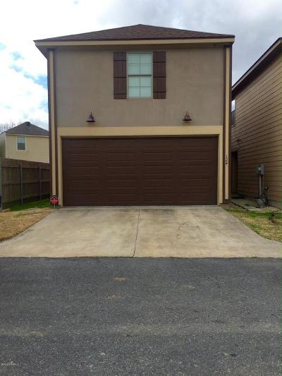Lafayette Single Family Home For Sale: 124 Fullerton Lane
