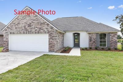 Breaux Bridge Single Family Home For Sale: 28 Breeze Drive