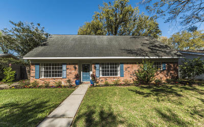 Lafayette Single Family Home For Sale: 405 Chateau Place