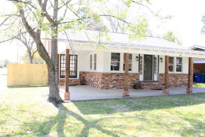Lafayette Single Family Home For Sale: 201 Westchester