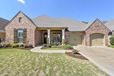 Lafayette Parish Single Family Home For Sale: 105 Herbsaint