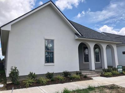 Laurel Grove Single Family Home For Sale: 205 Green Cay Drive
