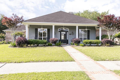 Lafayette Single Family Home For Sale: 203 Saddlewood