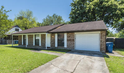 Lafayette Single Family Home For Sale: 207 Chaumont Drive