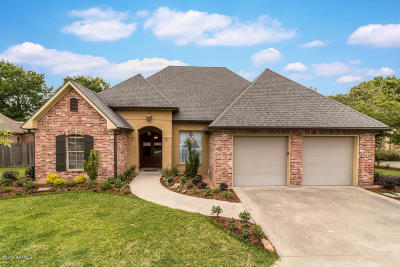 Lafayette Single Family Home For Sale: 208 Ambergris Lane