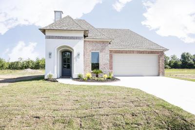 Scott Single Family Home For Sale: 207 Octavia