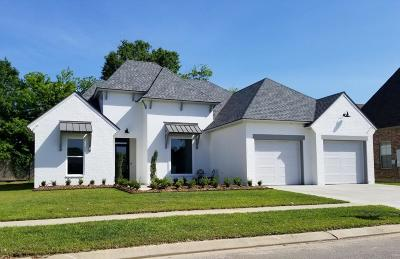 Walkers Lake, Walkers Village Single Family Home For Sale: 303 Barkhill Drive