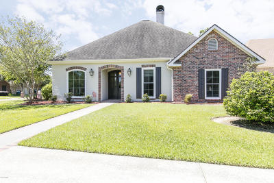 Lafayette Single Family Home For Sale: 100 Archangel Drive