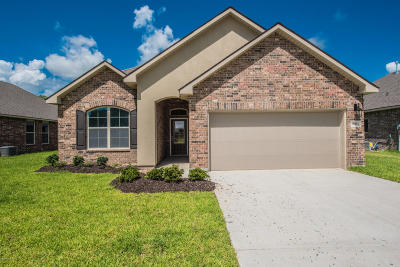 Lafayette Single Family Home For Sale: 203 Marshfield Drive