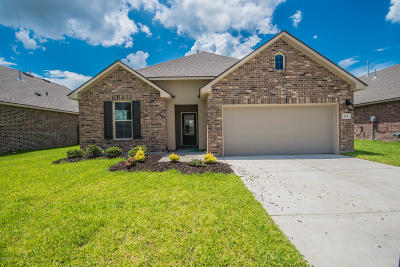 Lafayette Single Family Home For Sale: 212 Saddle Crest Drive